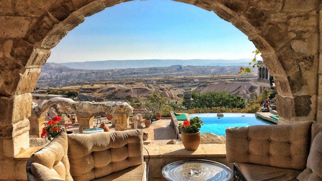 Каппадокия в Турции - отель с бассейном