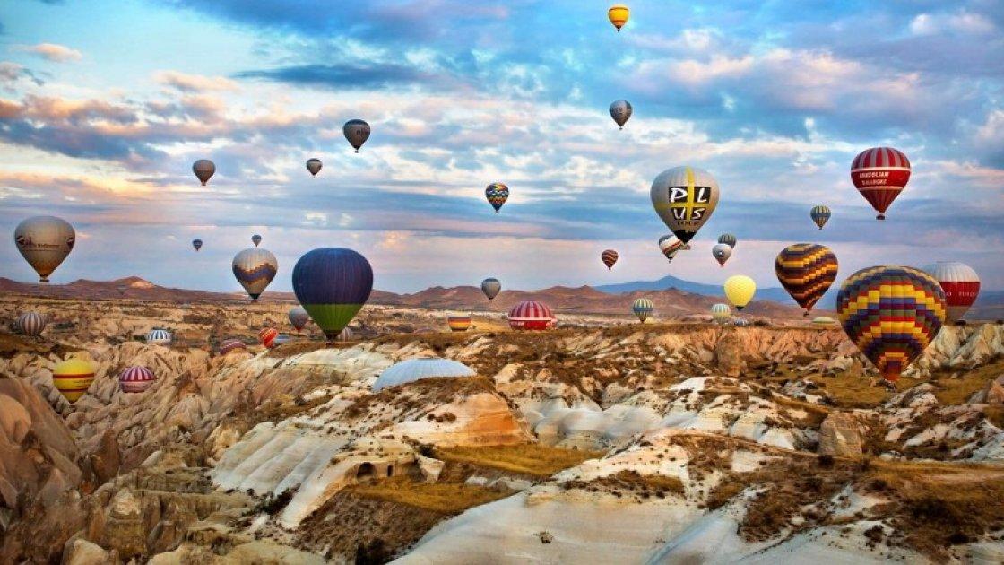 Каппадокия в Турции - воздушные шары