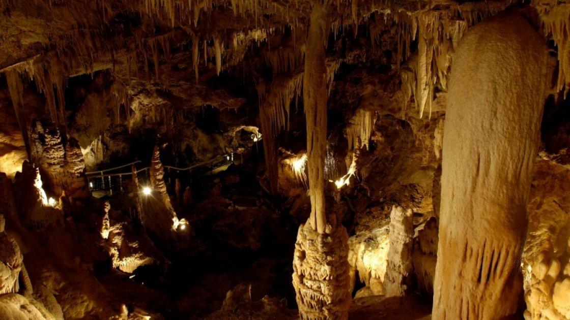 Экзотический Сад Монако - пещера