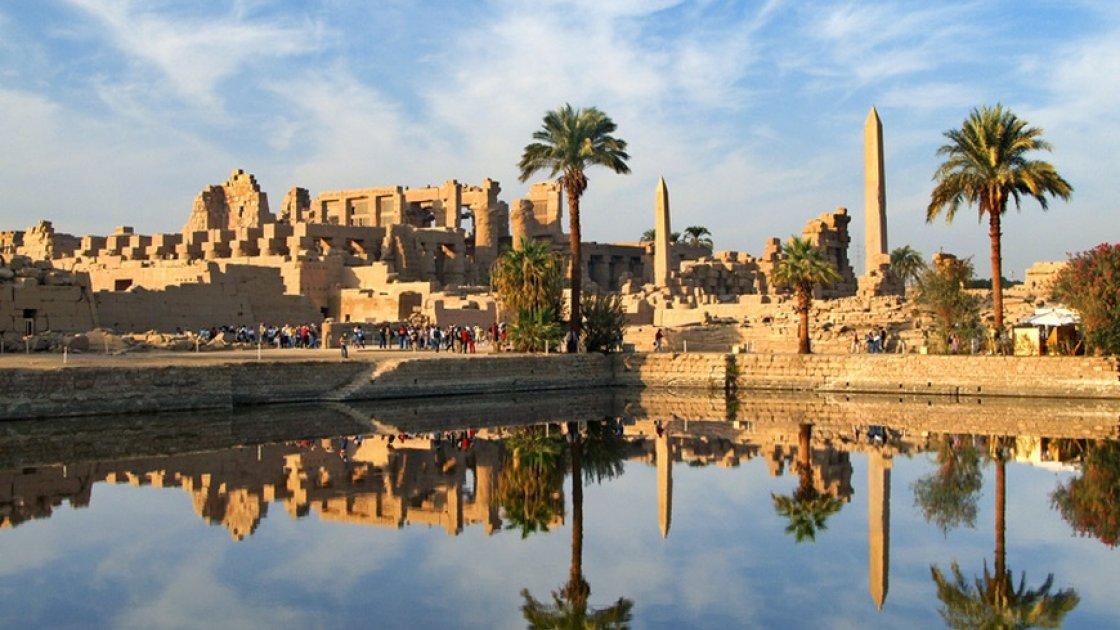Карнакский храм в Египте - священное озеро