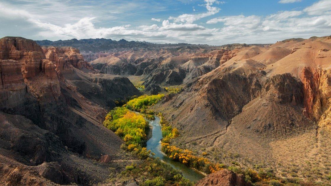 Чарынский каньон в Казахстане – река