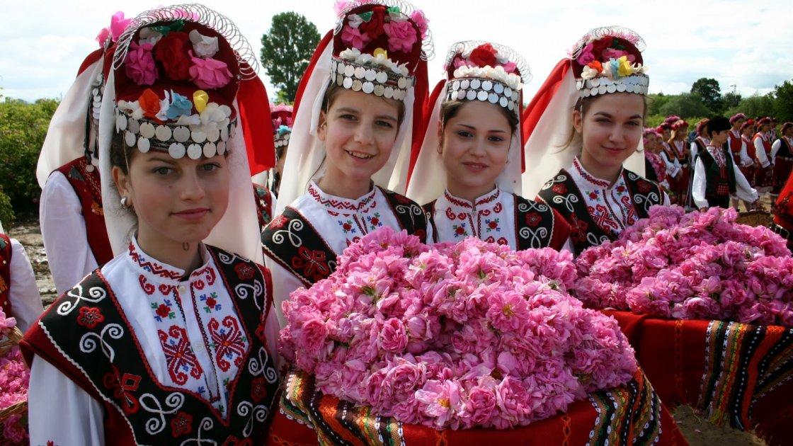 Долина роз в Болгарии  - фестиваль
