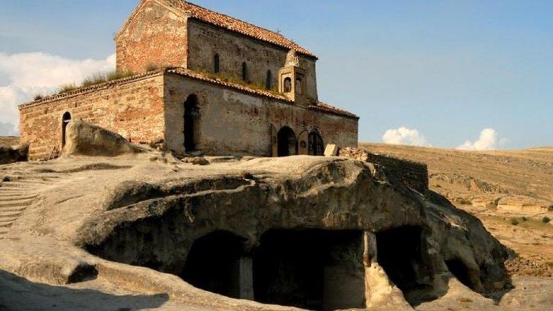 Пещерный город Уплисцихе в Грузии - христианская церковь