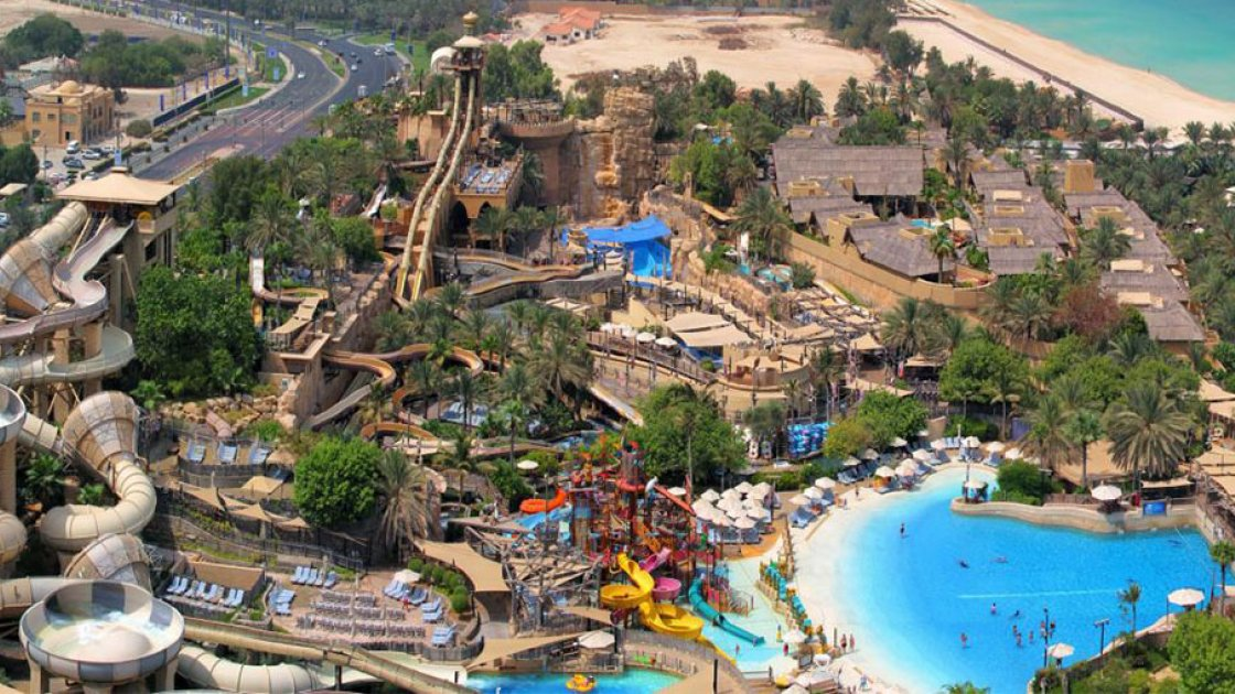 Аквапарк Wild Wadi в Дубае вид сверху