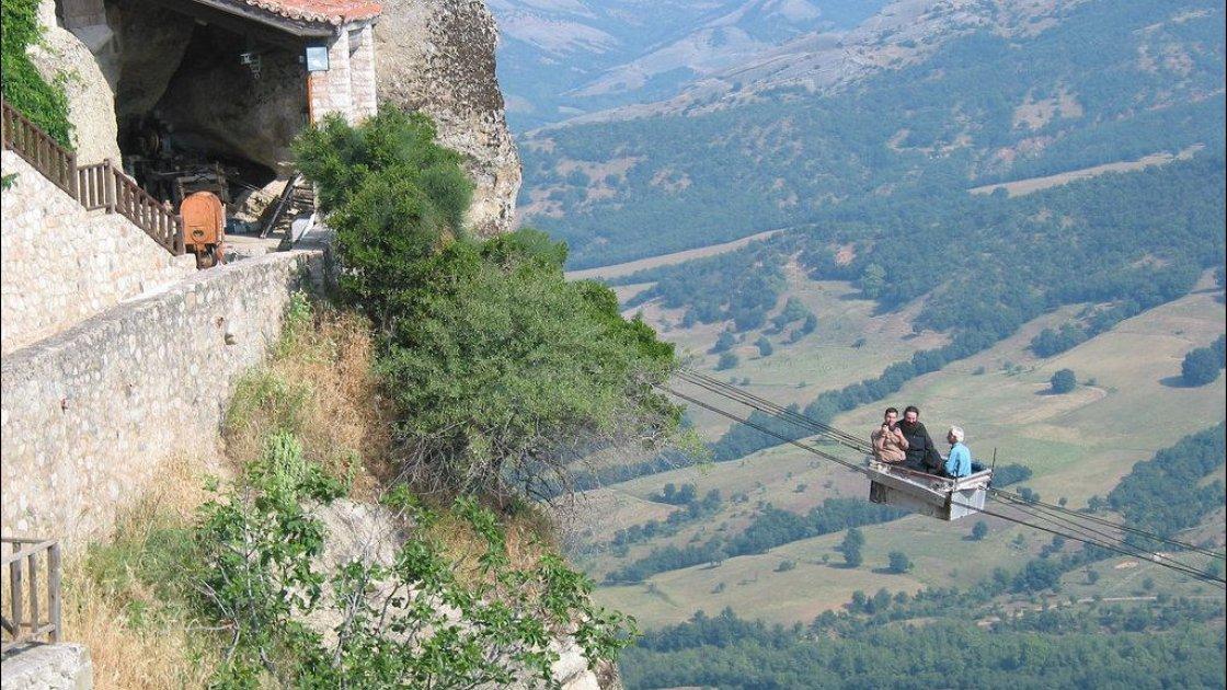Монастыри Метеоры в Греции – 2