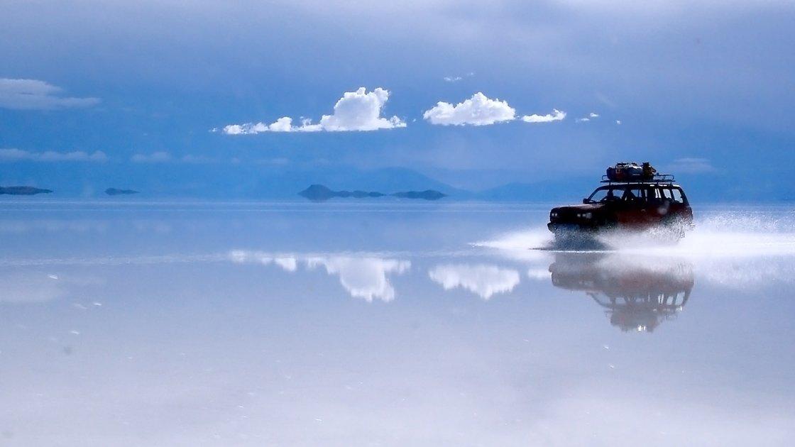 Солончак де Уюни в Боливии – зеркало