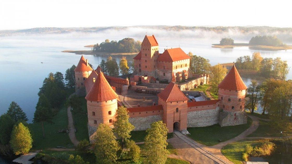 Тракайский замок в Литве – 1