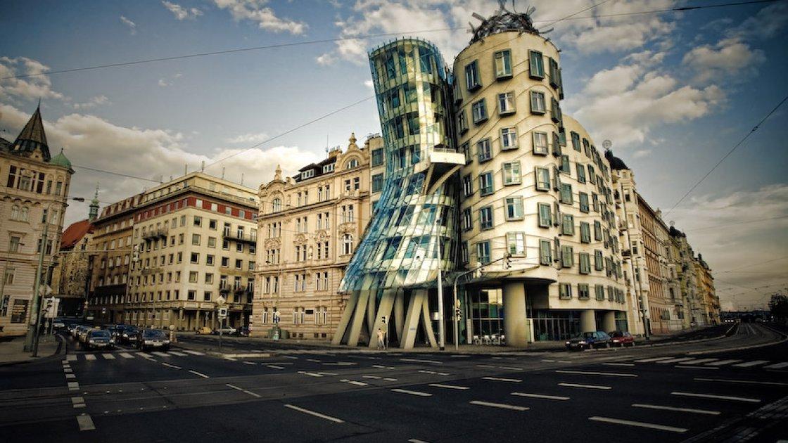 Танцующий дом в Праге – 1