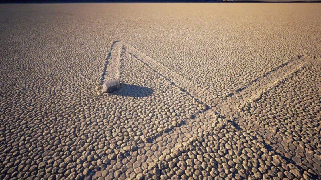 Движущиеся камни в Рейстрак-Плайя – 2