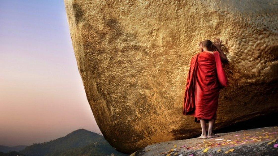 Золотой камень Будды в Мьянме 5