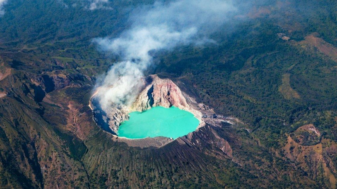 Действующий вулкан Иджен 5