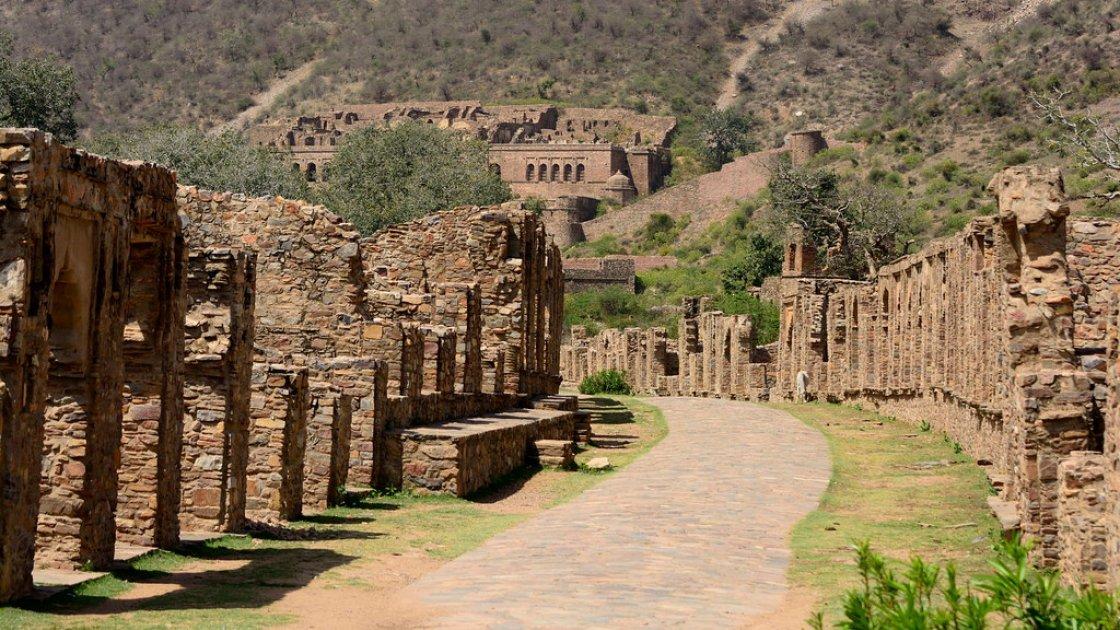 Форт Бхангар в Индии – 4