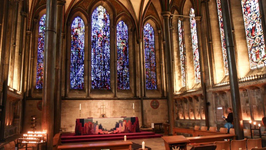 Готический собор в Солсбери 5