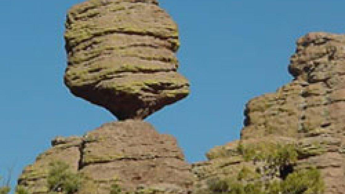 Загадка висячих камней в США 4