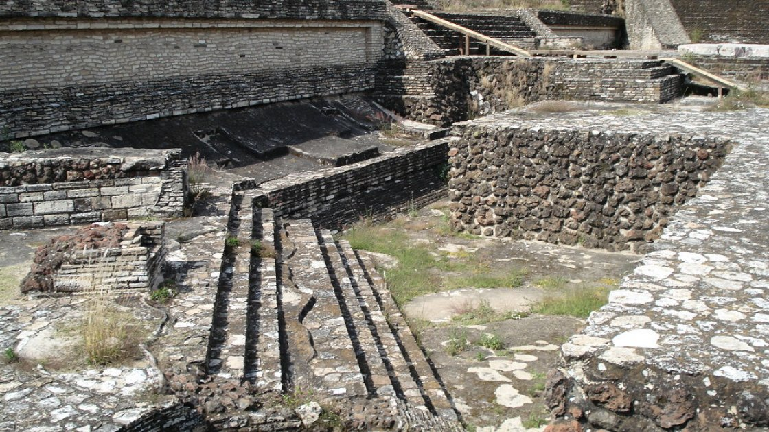 пирамида Тлачиуальтепетль  3