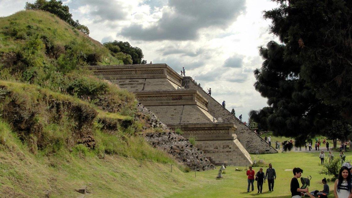 пирамида Тлачиуальтепетль  4