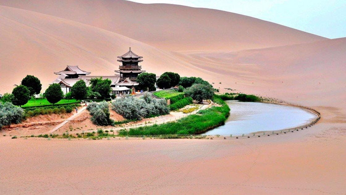 Озеро Юэяцюань1