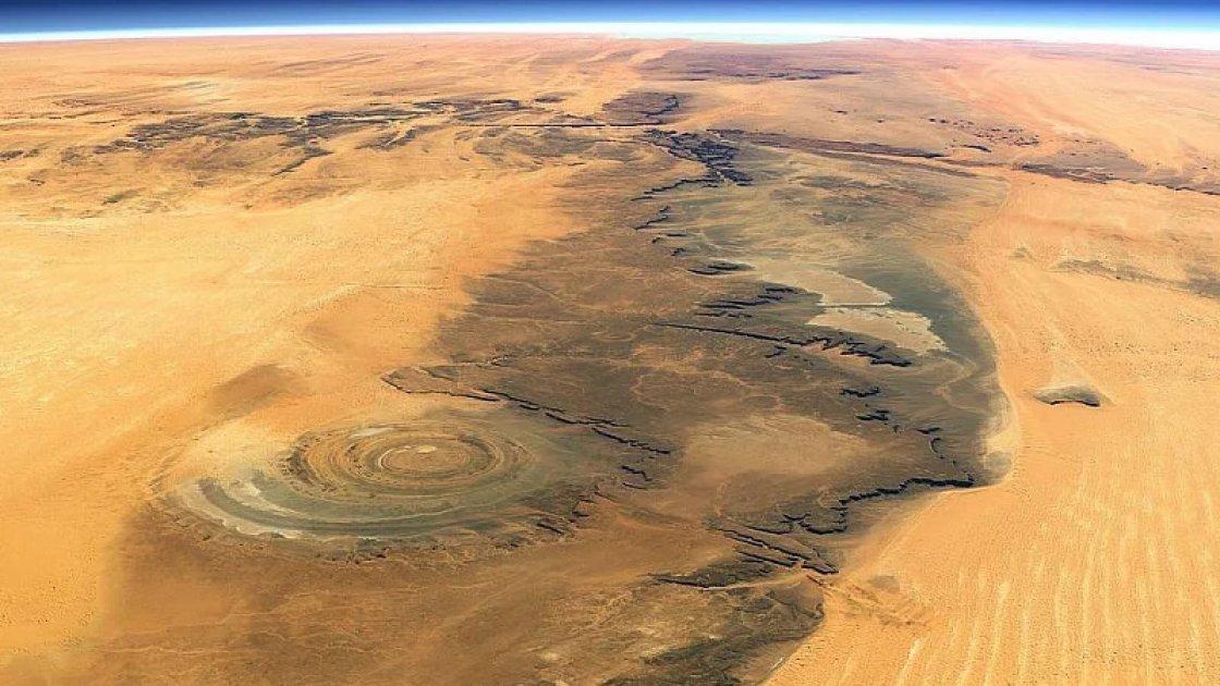Глаз Сахары с высоты