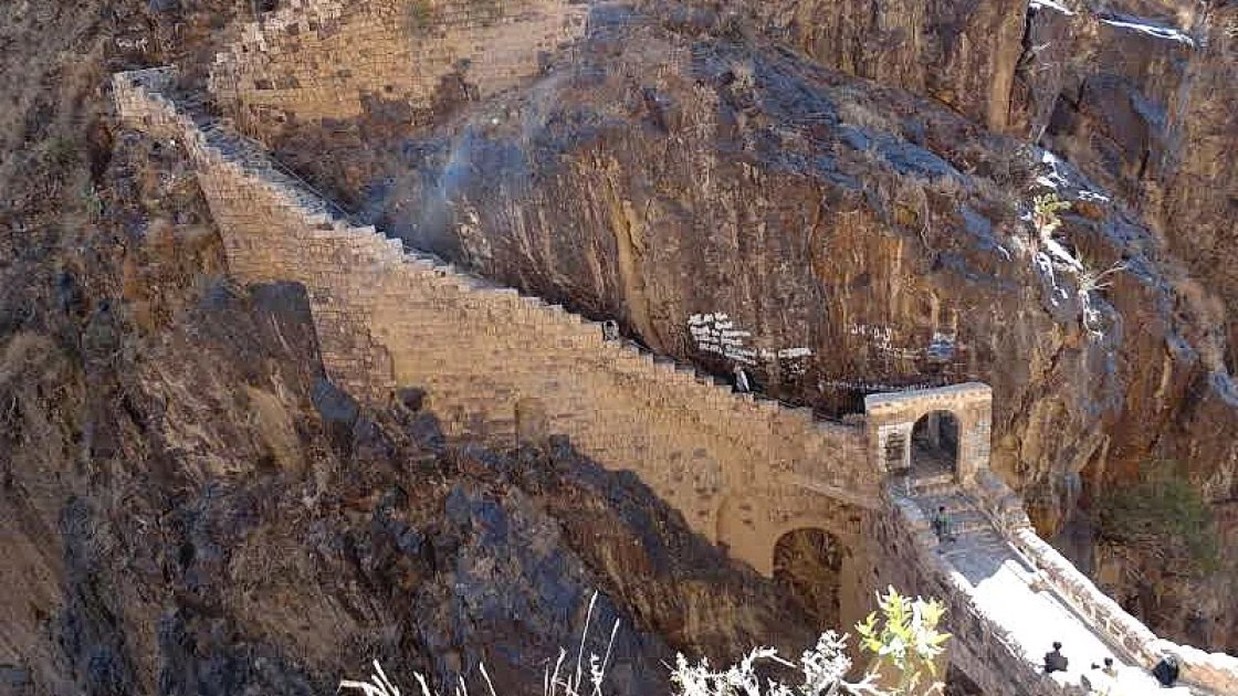Мост Шехара - мост над пропастью в Йемене