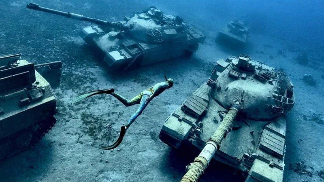 Подводный музей военной техники в заливе Акаба