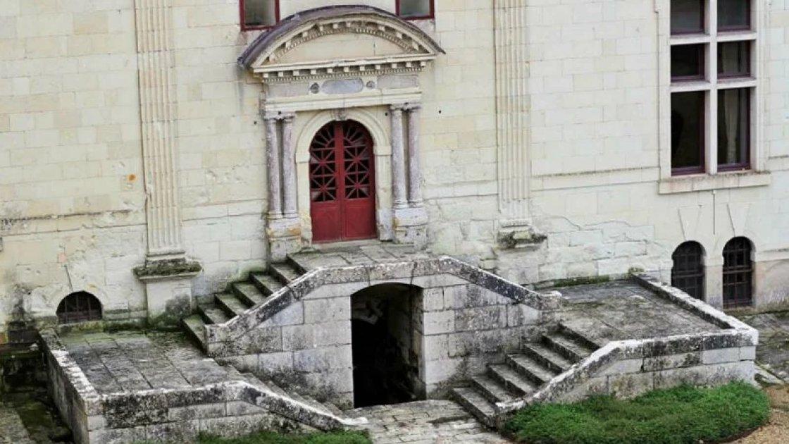 Вход в подземелье замка Брезе