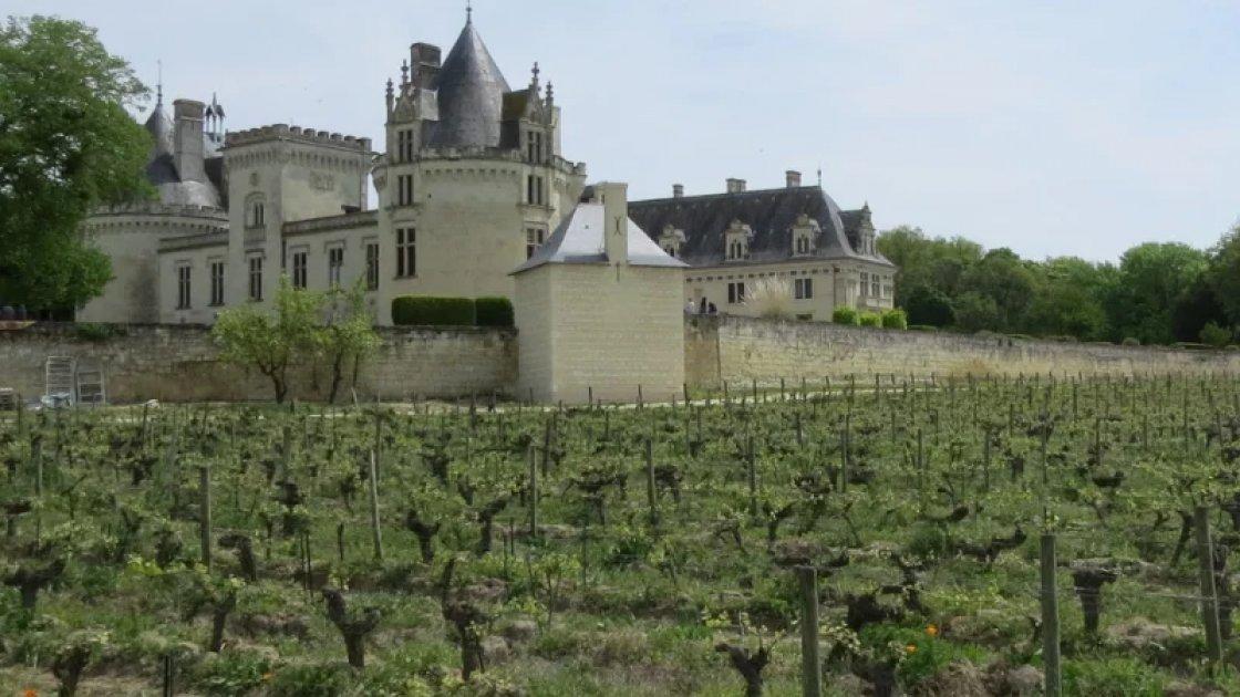 Замок Брезе и его окрестности