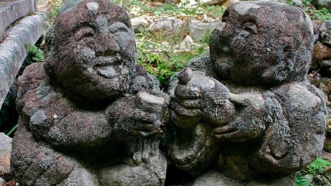 Статуи Отаго Нэнбуцу-дзи