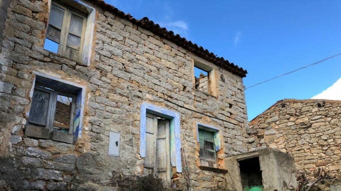 Брошенный дом в Оллолаи, Сардиния
