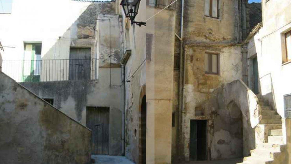 """Примеры из предложений о покупке """"Дома за 1 евро"""" в городе Самбука"""