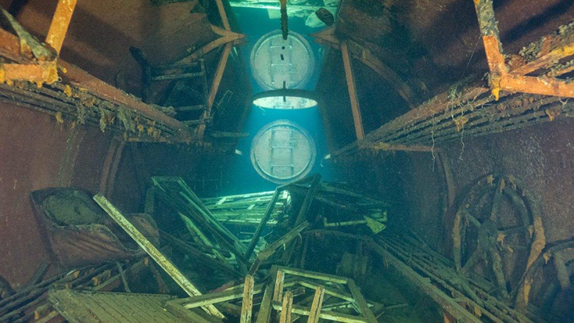 Подводный тюремный хлам