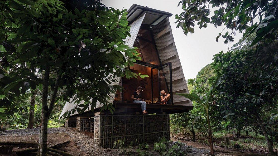 Дом Huaira в Эквадоре - вид сзади