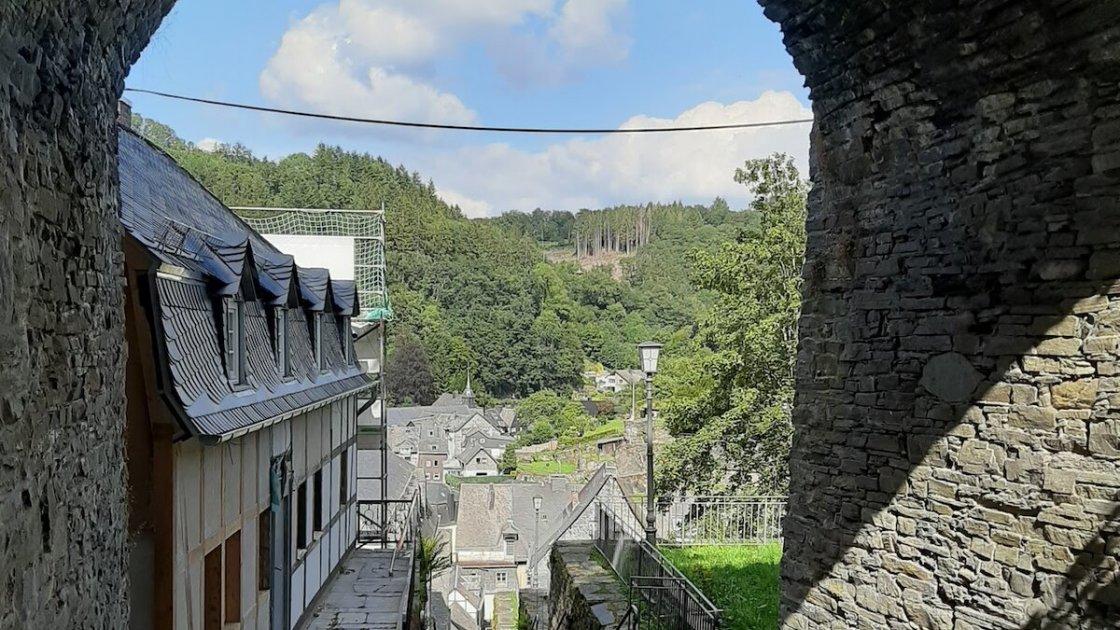 Вид из крепости Моншау