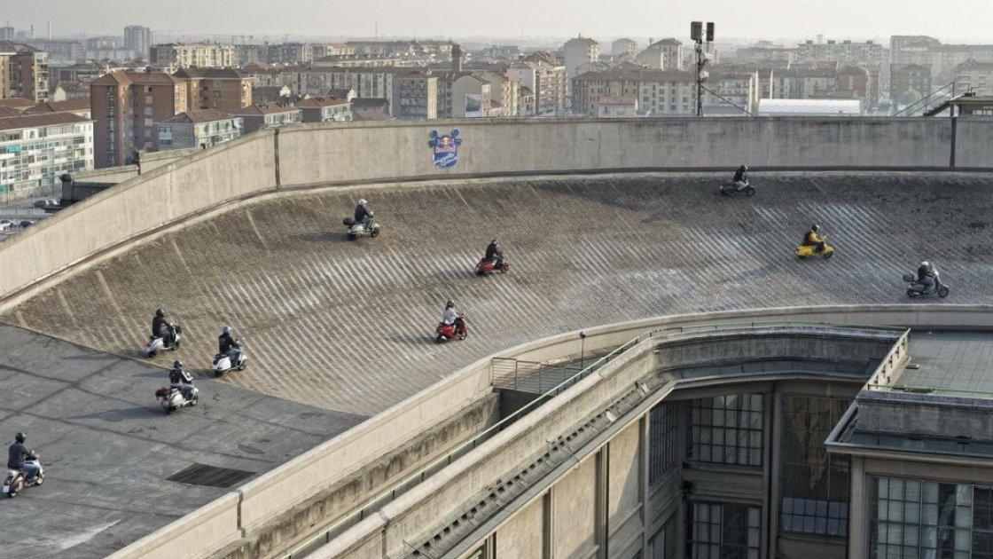 """Мотогонки на крыше завода """"Фиат Линготто"""""""