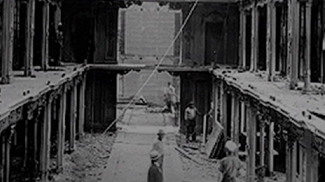 Архивное фото Капитолия после пожара 1851 года
