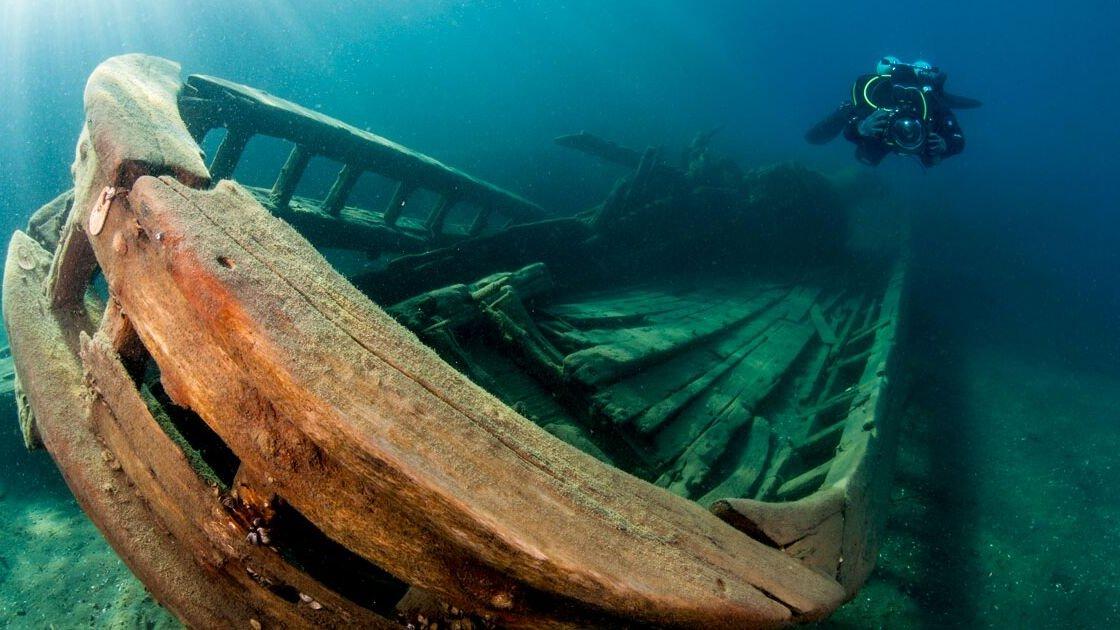 Старый корабль на дне реки Святого Лаврентия