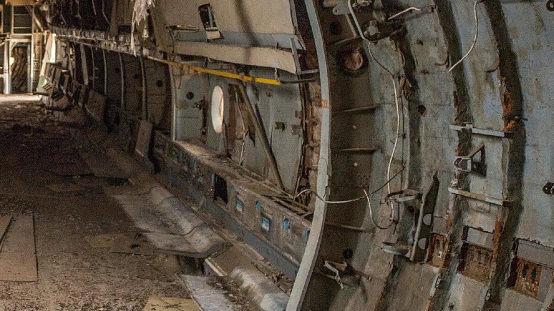 Внутри заброшенного Ил-76