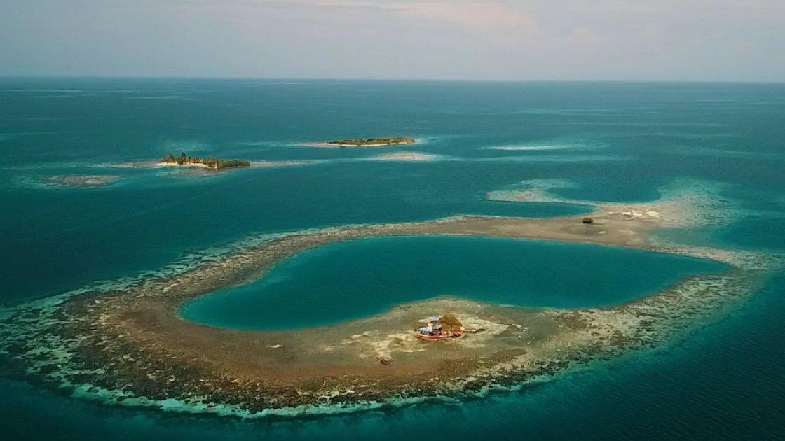 То, чт окажется сушей - на самом деле под водой, и только на переднем плане виден Птичий остров